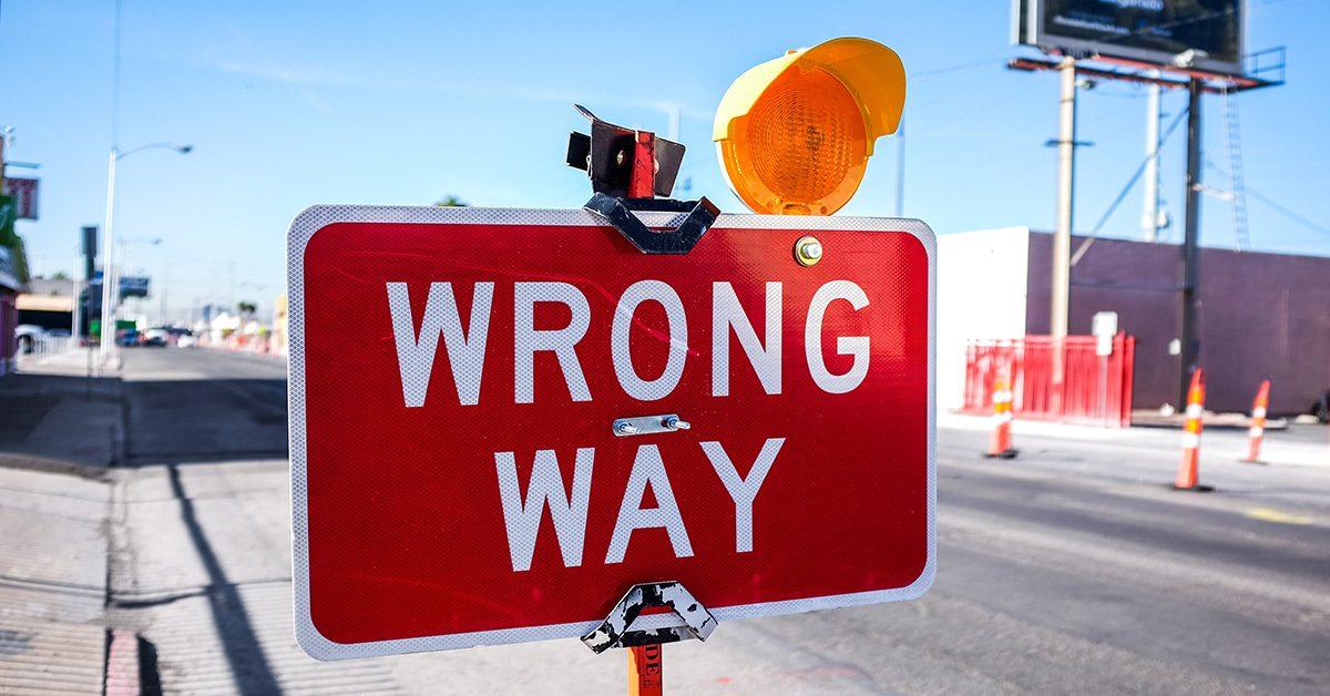 Tablica Wrong Way
